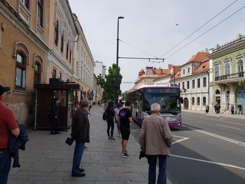 Ingyen utazhatnak a diákok iskolába a tömegközlekedési eszközökön