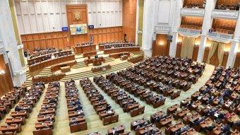 Hétfőn délben tartja alakuló ülését a bukaresti parlament két háza