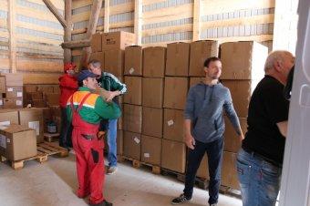 Védőfelszereléseket kaptak a magyar kormánytól a Caritas erdélyi szervezetei