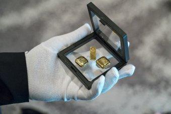 Aranyba, részvénybe érdemes fektetni válság idején