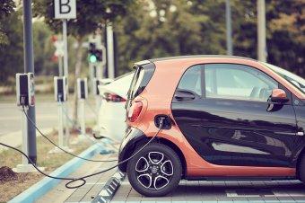 """Zöld """"útlevelet"""" kapnak az elektromos autók Romániában"""