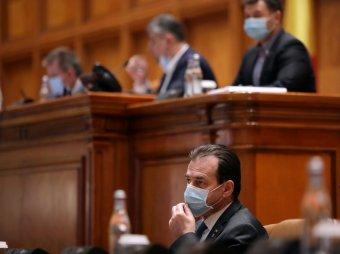 Bírálatözön a parlamentben az Orban-kormány járványügyi intézkedéseire