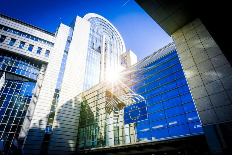 EU-csúcs: elfogadták a tagállamok az uniós keretköltségvetést és a helyreállítási csomagot