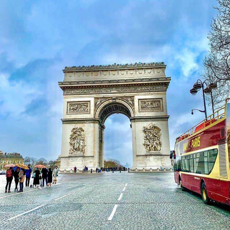 Franciaországban csökkennek a mutatók, aggódnak a lakosság mentális egészségének romlásáért