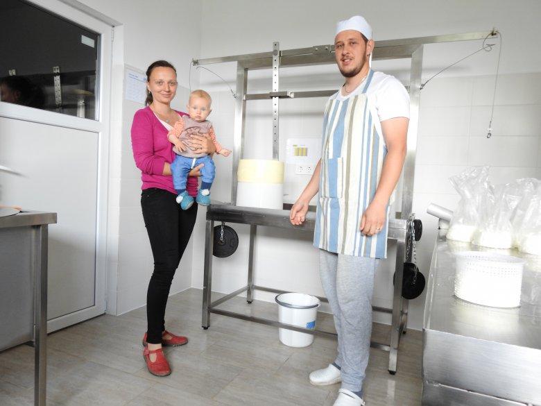 Egyre felkapottabb az erdélyi sajtkészítés: hosszas kísérletezés után születtek meg a györgyfalvi Nagy család új termékei