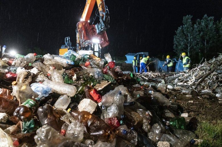 Áder János tájékoztatta az Európai Bizottság elnökét a Romániából és Ukrajnából érkező szennyről