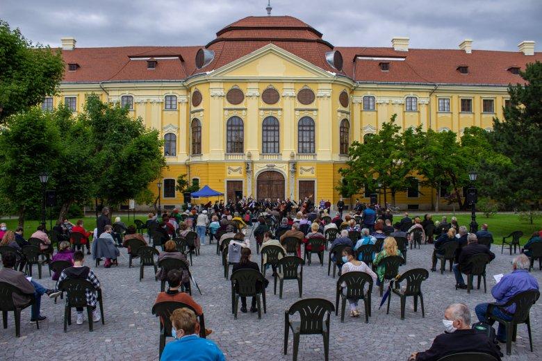 """Nem a kulturális események a """"legfertőzőbbek"""" – Elfogadhatónak tartják a szaktárca forgatókönyveit a kultúrszféra képviselői"""