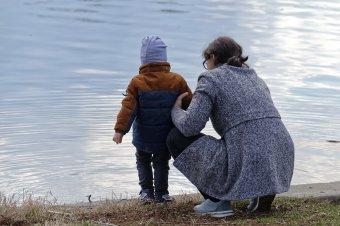 Ludovic Orban: január 1-jétől nő a gyereknevelési támogatás