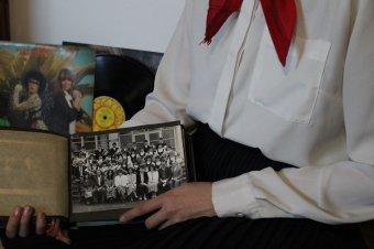 """Diákok """"időutazása"""" a nyolcvanas évekbe: a szocializmus emlékei elevenednek meg tehetséges középiskolások fotóin"""