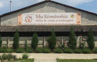 Teret hódítanak a kézműves foglalkozások: használati tárgyak, ékszerek készülnek a szamosújvári Téka Kézművesházban