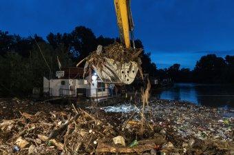 Áder János kemény hangnemben fordult az ukrán és a román elnökhöz a folyószennyezések miatt