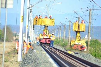 Perek sora lassítja a vasúti infrastruktúra fejlesztését, euró százmilliók vesztek el