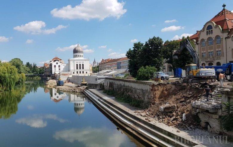 Építik is, bontják is a Körös-part belvárosi szakaszát Nagyváradon