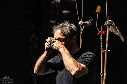 Mindenkinek megvan a maga Vásárhelye – Bogdán Zsolt színművész egyszemélyes előadása Bartis Attila novelláiból
