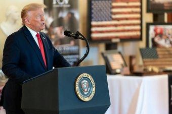 Amerikai elnökválasztás: Trump a szavazatszámlálás felfüggesztését követeli