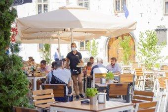 Míg Szlovéniában enyhítenek, Horvátországban káosz övezi az oltási programot