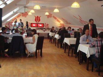 Családi események lepték el az éttermeket –  a kolozsvári Mikó étteremben az újrakezdésről