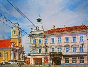 Rosszallja a román sajtó, hogy a Sapientia Alapítvány vásárolta meg a Kolozsvár főterén álló Melody szállót