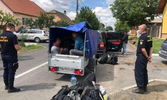 Utánfutós bukaresti embercsempészt fogtak a magyar–román határ közelében