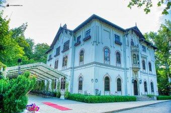Kommunista diktátort dicsőítenek a román fejedelmi palotában – Tiltakozik a meghurcoltakat képviselő intézet