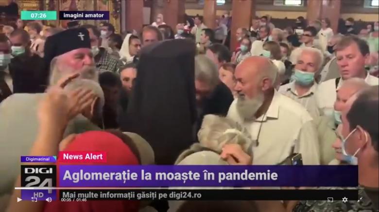Zsúfoltság egy temesvári templomban: egészségért imádkoztak, csak a maszkot felejtették el