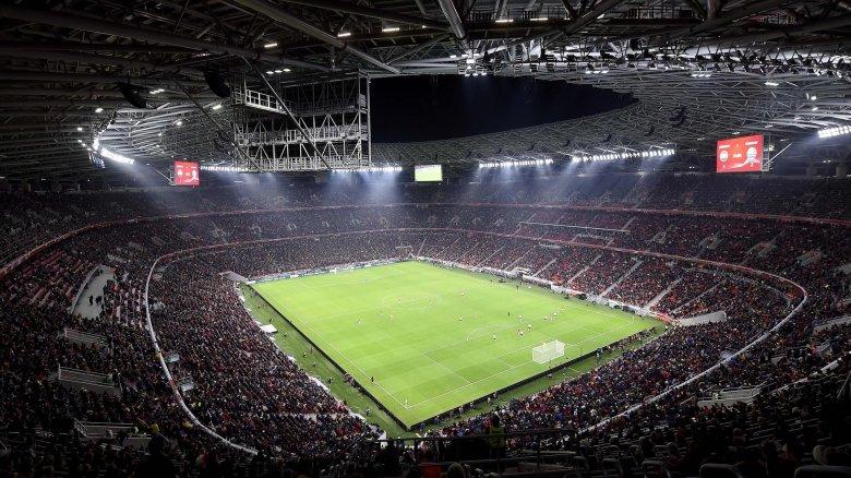 Döntött az UEFA: nézők előtt rendezik meg a labdarúgó Európa-bajnokság mérkőzéseit