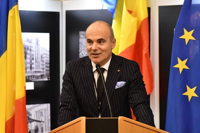 A PNL továbbra is kiáll Florin Cîţu kormányfő mellett, az USR–PLUS és az AUR 122 honatyája szavazna ellene