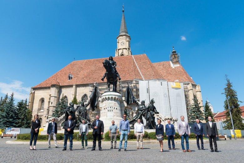 Magyar jelöltek a második vonalban: megőrizné az RMDSZ a politikai alkukkal szerzett helyettesi tisztségeket a szórványban