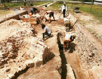 Közelebb kerültek a régészek az egresi királysírokhoz