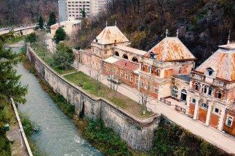 Herkulesfürdő múltját és jelenét mutatják be, és a jövőjéről tanácskoznak Bukarestben