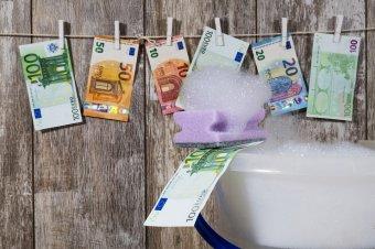 Magyar civilek szerint demokratikus alapértékeket sért a pénzmosás elleni jogszabály