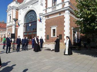 Kizárólag román nyelvű táblával emlékeztek a magyarok által épített vasútvonalra Kolozsváron