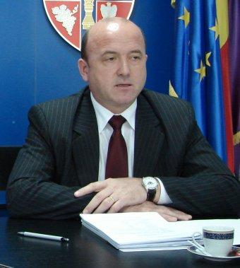 Alprefektusi tisztségéből való ideiglenes felfüggesztését kérte az ittas vezetéssel gyanúsított Végh Sándor