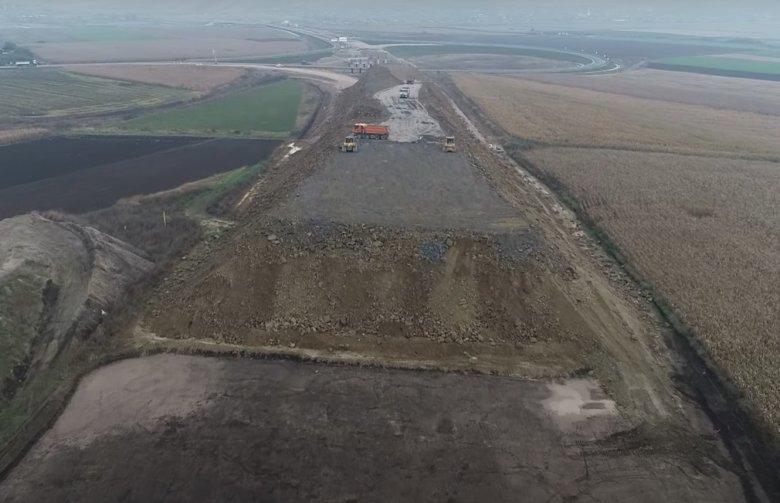 Pro Infrastruktúra Egyesület: rendkívül aggasztó a helyzet az észak-erdélyi autópálya egyik építőtelepén (Videóval)