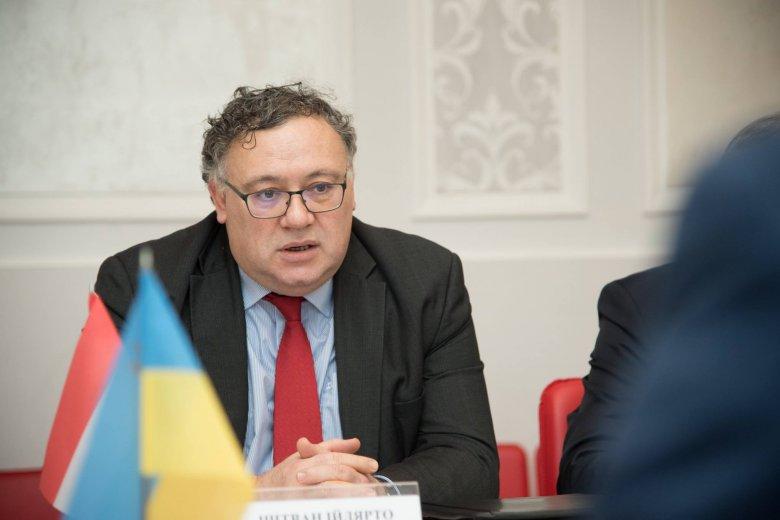 Tiltakozó jegyzéket adtak át a kijevi magyar nagykövetnek az ukrán külügyminisztériumban
