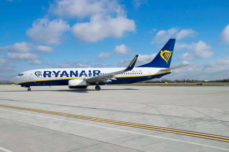 """Az EU és a NATO a  """"kényszerű"""" minszki leszállást végrehajtó Ryanair-gép utasainak szabadon bocsátását követeli"""