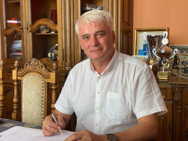 Koronavírust diagnosztizáltak Szilágysomlyó polgármesterénél, üzent a szkeptikusoknak (Videó)