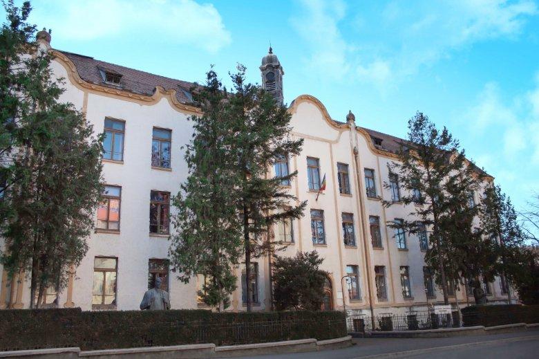 Kiáll az EMSZ a Wesselényi Kollégium visszaigénylése miatt vizsgált református püspökök mellett