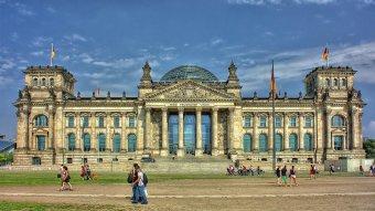 Közel tíz német tartományban engedélyezik az oltatlanok kitiltását a közösségi élet színhelyeiről