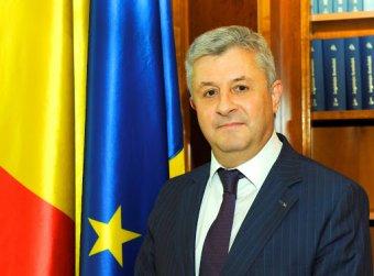 """Kecskére a káposztát: a törvényhozási tanács vezetőjévé választották a román igazságügyi jogszabályok """"mészárosát"""""""