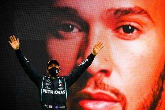 Hamilton immár egyedül minden idők legeredményesebb F1-es pilótája