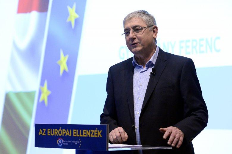 Idegen a nemzetpolitika: Gyurcsány riogat, a Momentum ellenkampányol, a Jobbik hozzásimult a baloldalhoz