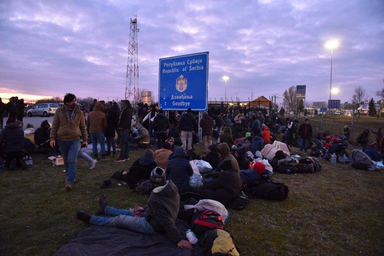 Több mint 10 ezer illegális bevándorlót fogtak el idén Magyarország déli és keleti határszakaszain