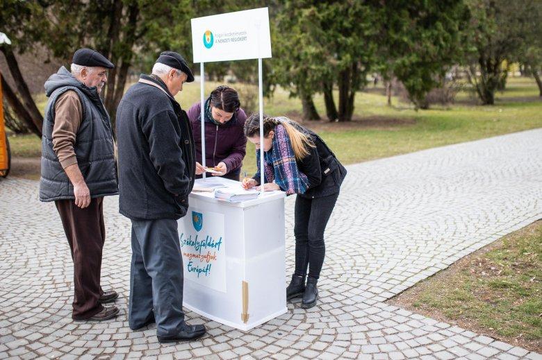 Nemzeti régiók: csak öt országban sikerült összegyűjteni az aláírásokat, újabb hosszabbításban bíznak
