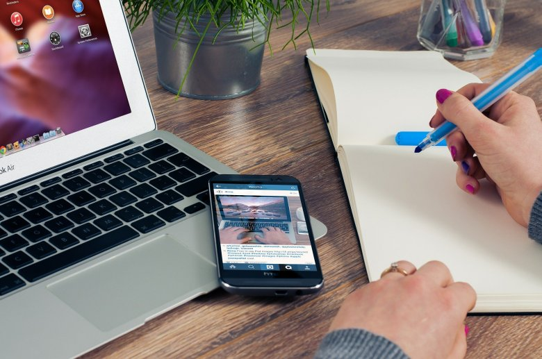Az otthoni munkához elengedhetetlen a stabil internetkapcsolat