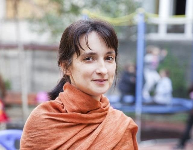 Ellensúlyozni a járvány miatti elmagányosodást: Román Mónika pszichológus lelki segítségnyújtásról, egyéni felelősségvállalásról
