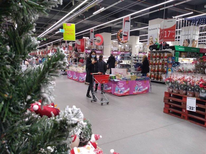 Felmérés: kevesebbet költünk idén karácsonykor