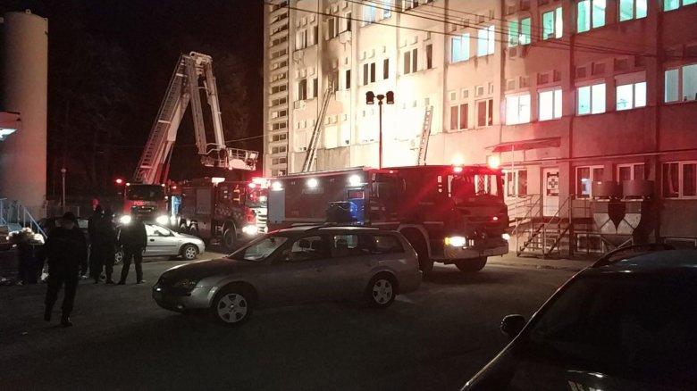 Kettős mérce a kórházi tűzvész kapcsán: a PNL-hívek szerint nem a kormány, hanem ezért is a PSD a felelős