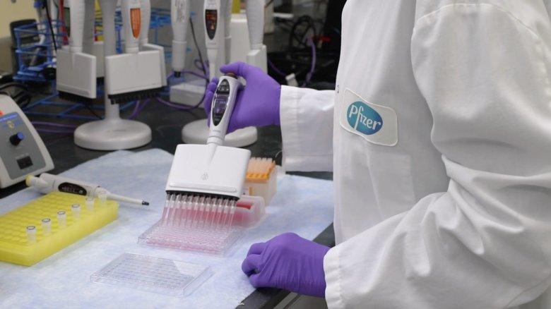 Jövedelmező az oltás: több milliárd dollárral javította éves előrejelzését a Pfizer