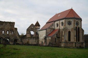 Szászföld rejtett kincsei: romjaikban is németesen rendezett műemlékek várják a turistákat Szeben megyében